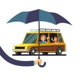 Het vectorconcept van de autoverzekering met de paraplu van de handholding en de auto van het beeldverhaalkarakter met vrouw en j royalty-vrije illustratie