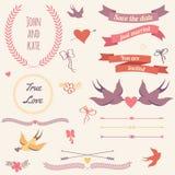 Het vectorhuwelijk plaatste met vogels, harten, pijlen, linten, kronen, stock illustratie