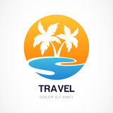 Het vectormalplaatje van het embleemontwerp Groene palm op kust Concept voor royalty-vrije illustratie