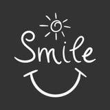 Het vectorpictogram van de glimlachtekst Hand getrokken illustratie op zwarte backgro Stock Foto's