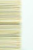 Het veelvoudige houten bamboevleespennen leggen Royalty-vrije Stock Fotografie