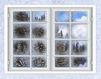 Het venster is behandeld met ijsvorst Royalty-vrije Stock Afbeeldingen