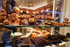 Het Venster van de cakewinkel Royalty-vrije Stock Foto