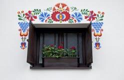 Het venster van de moravian wijnkelder, Dolni Bojanovice stock afbeelding