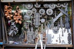 Het venster van de smidswinkel in Safranbolu stock afbeelding