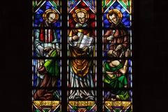 Het venster van het gebrandschilderd glas in de kerk van Santa Maria del Mar. Stock Foto