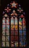 Het venster van het gebrandschilderd glas in kathedraal St.Vitus Stock Afbeelding