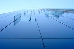 Het venster van het glasdecor bij de collectieve bouw Stock Afbeelding