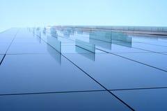Het venster van het glasdecor bij de collectieve bouw Stock Fotografie