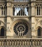 Het venster van Notre Dame Stock Afbeeldingen