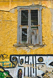 Het Venster van Plaka, met Graphitti, Athene Stock Foto