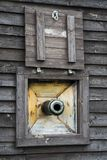 Het Venster van het schipkanon stock foto