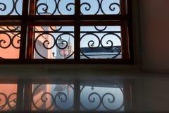 Het venster van het smeedijzer Stock Afbeelding