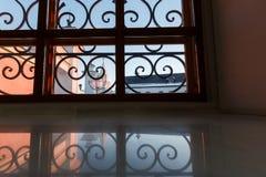 Het venster van het smeedijzer Stock Afbeeldingen