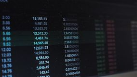 Het veranderen van de prijs, de vluchtigheid van de cryptocurrencymarkt of voorraad Handel op de beurs stock videobeelden