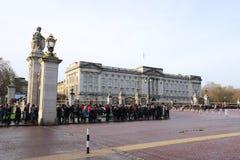 Het veranderen van de wachtceremonie bij Buckingham Palace royalty-vrije stock afbeelding