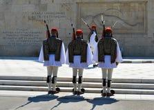 Het veranderen van Plechtige Eliteinfanterie Evzones dichtbij het parlement in Athene, Griekenland op 23 Juni, 2017 Royalty-vrije Stock Fotografie