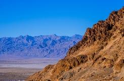 Het verbazende Nationale Park van de Doodsvallei in Californië op een zonnige dag Royalty-vrije Stock Afbeelding
