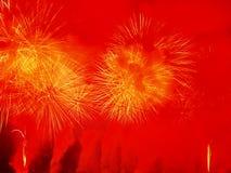 Het verbazende vuurwerk toont Stock Afbeeldingen