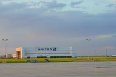 Het verenigde pakhuis van Denver luchthaven stock foto