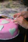 Het Verfraaien van de cake Stock Afbeelding
