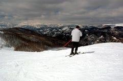Het verfrissen zich van de skiër Stock Fotografie