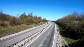 Het verkeer op weg van Tricity kent als Tricity-Ringweg Pools: Obwodnica Trojmiasta stock footage
