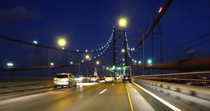 Het verkeer van auto's op brug Royalty-vrije Stock Foto