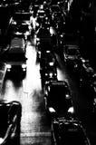 Het verkeer van de nacht. stock afbeelding