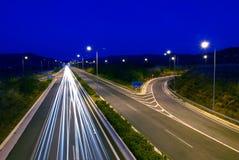 Het verkeer van de nacht stock fotografie