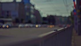 Het verkeer van de stadsdag, uit nadruk stock footage