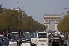 Het verkeer van Parijs in Arc de Triomphe Royalty-vrije Stock Foto's