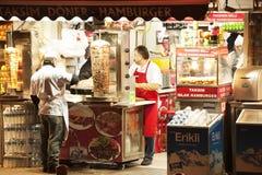 Het verkopen kebap in Taksim Istanboel Turkije Stock Afbeelding