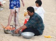Het verkopen zeekreeft op het strand stock fotografie