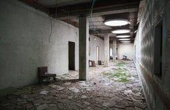 Het verlaten Binnenland van de Bouw Lege zaalmening Royalty-vrije Stock Afbeelding