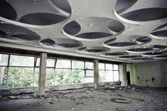 Het verlaten Binnenland van de Industriële bouw Lege Zaal Stock Afbeelding