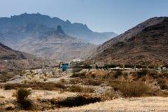 Het verlaten pretpark in de bergen dichtbij Taif, Saudi-Arabië royalty-vrije stock fotografie
