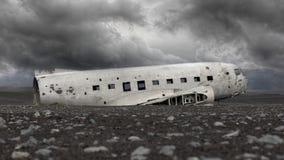 Het verlaten wrak van een militair vliegtuig van de V.S. op Zuidelijk IJsland - royalty-vrije stock afbeelding