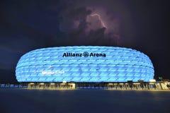 Het verlichten boven Allianz-Arena Stock Afbeeldingen