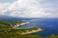 Het Verre Oosten van Rusland. De kust van het Japanse overzees Royalty-vrije Stock Foto