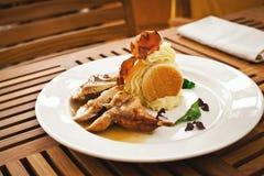Het verse gezonde voedsel met chiken en groenten Royalty-vrije Stock Afbeelding