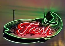 Het verse Teken van het Neon van Vissen Royalty-vrije Stock Foto's