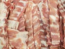 Het verse varkensvlees scheurt in markt Stock Afbeeldingen