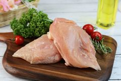 Het verse vlees van de kippenborst in Japan stock afbeeldingen
