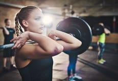 Het versterken met gewichten Stock Fotografie