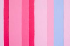 Het verticale schilderen op muur stock fotografie