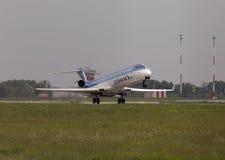 Het vertrekken Estonian Air Canadair crj-900ER vliegtuigen Stock Afbeeldingen