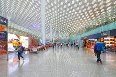 Het vertrekzaal van de Shenzhen internationale luchthaven Royalty-vrije Stock Afbeelding