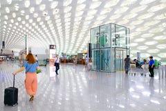 Het vertrekzaal van de Shenzhen internationale luchthaven Stock Foto's