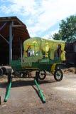 Het vervoer van de wandelwagen Royalty-vrije Stock Afbeeldingen